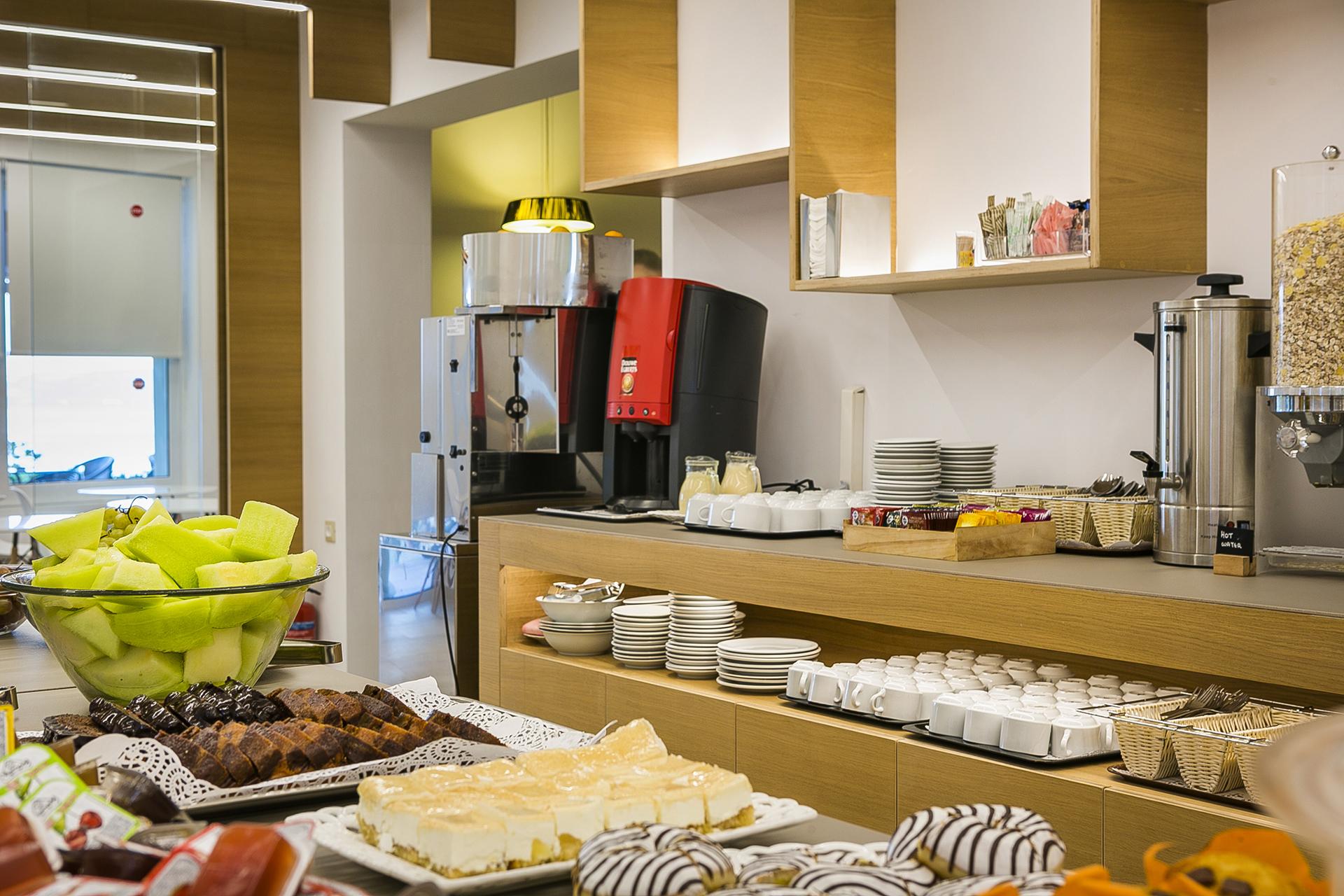 LassiHotel Breakfast Buffet (2)
