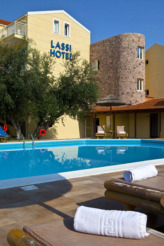 LassiHotel Pool Area (5)